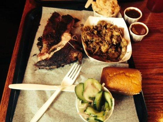 B.T.'s Smokehouse: Pork ribs/Pulled Chix/cuke salad