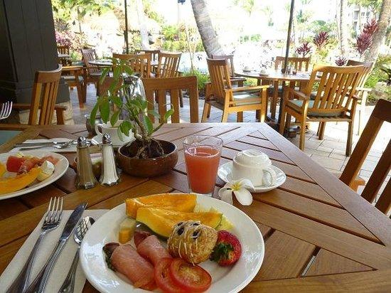 kaanapali beach hotel breakfast buffet menu