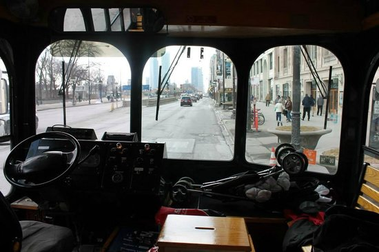 Dewitt Hotel & Suites : Go Chicago Trolley