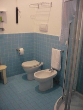 Zaguri B&B: salle de bain