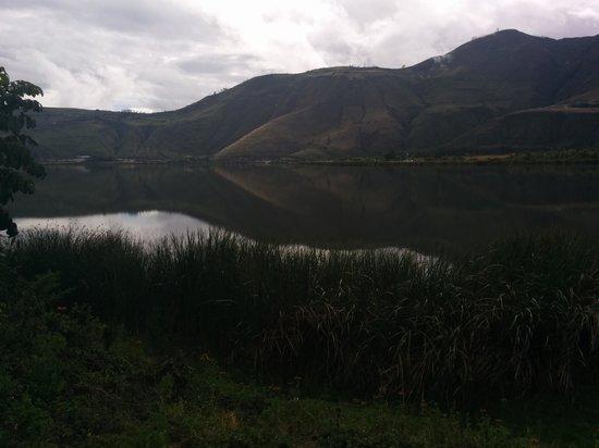 Laguna de Yahuarcocha: lagoun perspective.