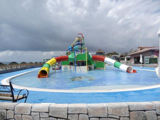 Papillon Belvil Hotel: kids splash pool