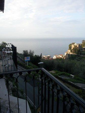 Grand Hotel Capodimonte: Vista desde el balcón lateral