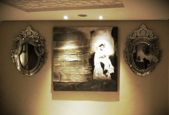 Palais Medina & Spa: Quadro e specchi