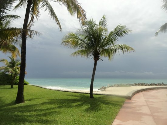 Grand Lucayan, Bahamas: Ocean next to Lighthouse Point