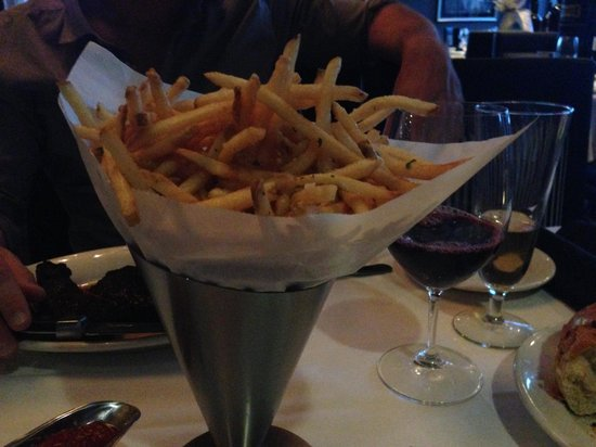 Morton's - The Steakhouse: Special flavored fries