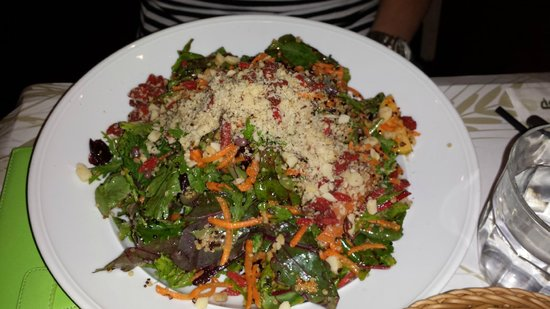Cafe Louise: Salad