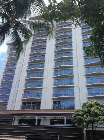 Hokulani Waikiki by Hilton Grand Vacations: 建物は古いけれど……
