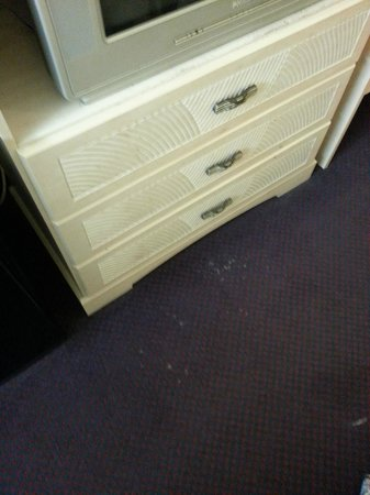 Economy Inn : Mystery stains