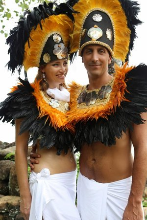 Tiki Village Cultural Centre : Your Wedding at the Tiki Village - Votre union célébré au Tiki Village