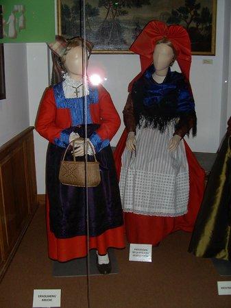 Musée alsacien : Historic Alsacian costume