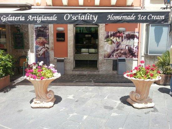 O'Sciality: Gelateria In Taormina