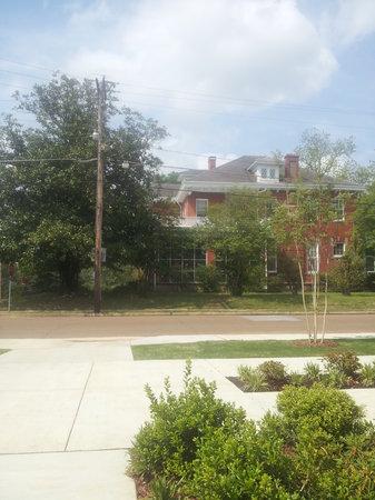 Maple Terrace Inn : South view