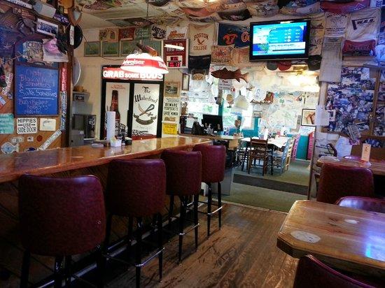 Waterfront Restaurant: Nice Pub Atmosphere