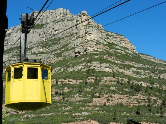 Barcelona Turisme - Afternoon in Montserrat Tour: Cable car up to Montserrat