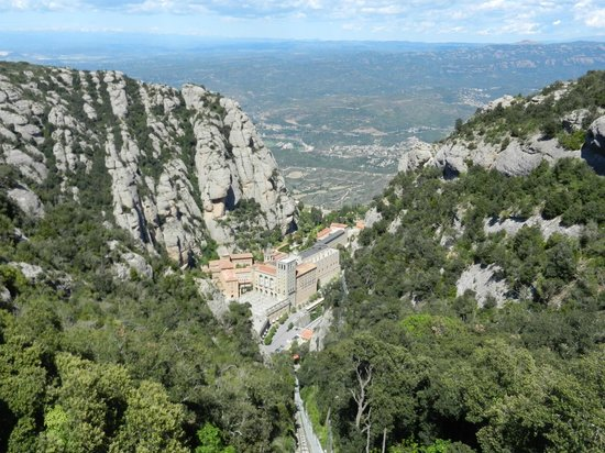 Barcelona Turisme - Afternoon in Montserrat Tour : The monastery from up above