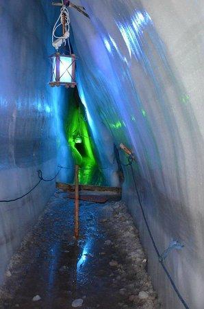 Hintertuxer Gletscher: Caverna de gelo