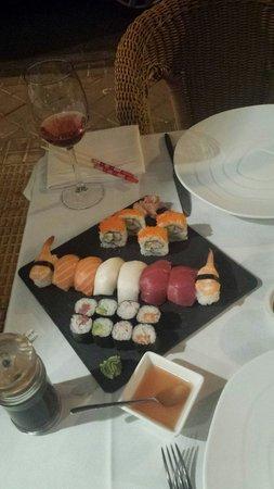 Tai Chi: fuente sushi. 20 euros