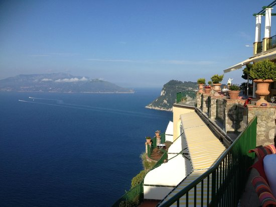 Caesar Augustus Hotel : terrace looking over to Sorrento and the Italian mainland