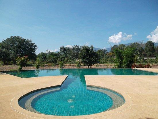 Baan Krating Pai Hotel: Piscine!
