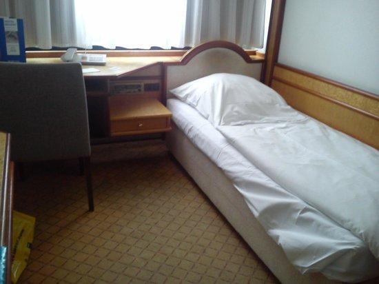 Hotel Regent: Cabeceira velha e surrenta