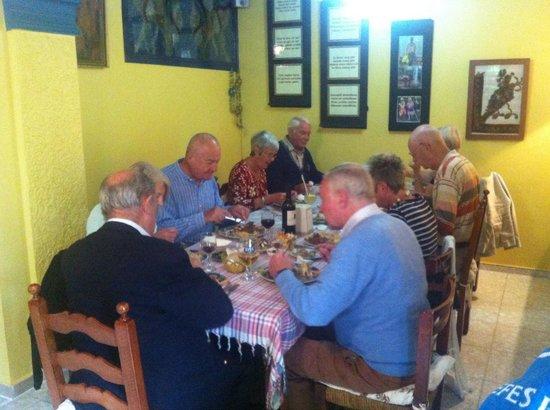 Ikimiz Restaurant : Lunch time