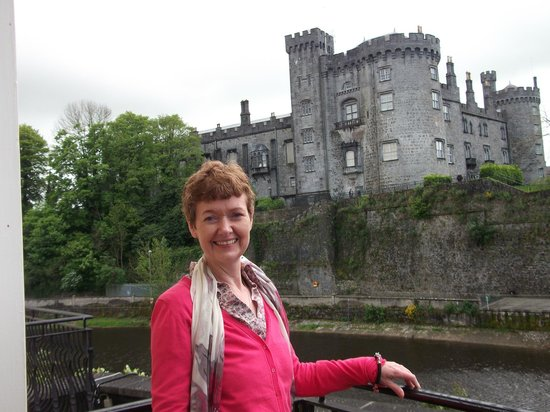 Kilkenny River Court Hotel: jean on our balcony