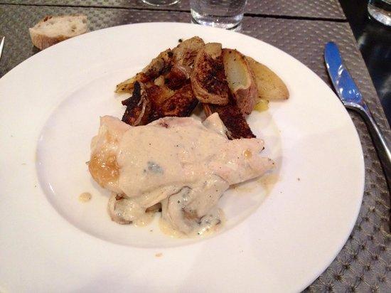 Les templiers : Patate e pollo con besciamella e funghi