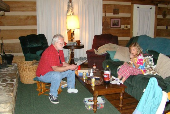 The Wright Cabins : Hanging out by fire, Rocky Top, 2008