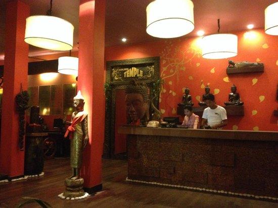 Golden Temple Hotel: lobby