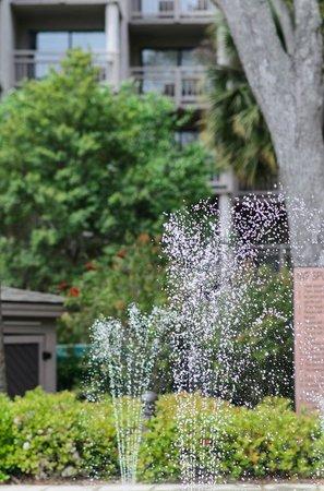 Omni Hilton Head Oceanfront Resort: Fountains for the little kids
