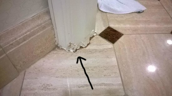 Caesars Palace : Water damaged floor boards