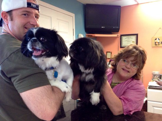 Ocean Park Resort, Oceana Resorts: Sharyn and her dog Joey and our puppy Bryson, both Pekingese