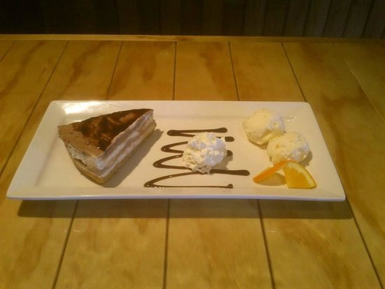 White House Cafe: Delicious Kahlua Chocolate Cheesecake