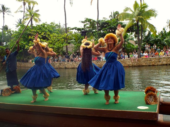 Polynesian Cultural Center : Polynesian Dancers