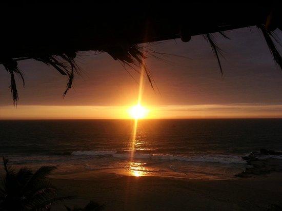 Pena Linda: Sunset desde el balcon