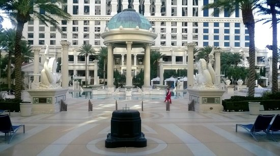 Caesars Palace : Ceasar's Palace Poolside