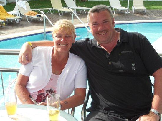 Lydia Maris Resort & Spa: bruce and i at pool bar