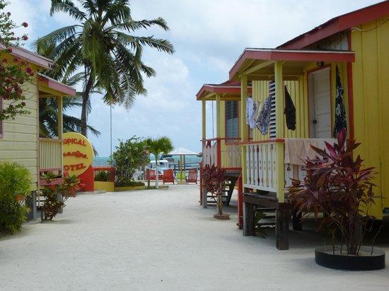 Tropical Paradise Hotel: Buen lugar