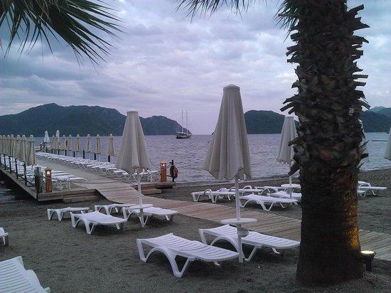 Hotel Cettia Beach Resort: The jetty at sunset