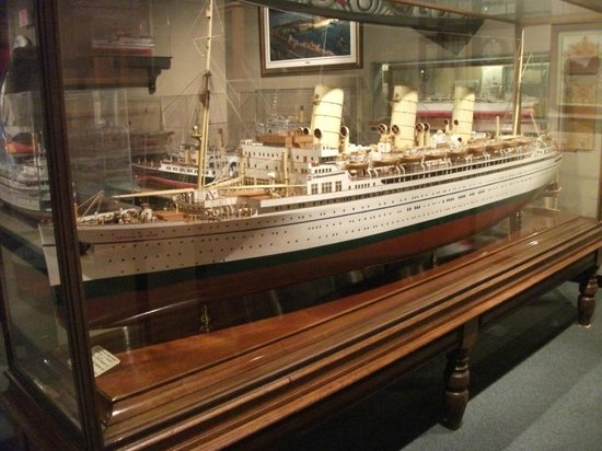 Vancouver Maritime Museum: Model of RMS Empress of Japan