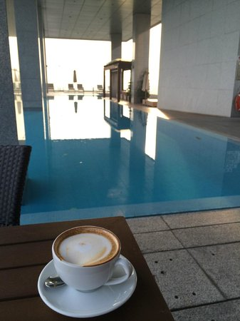 Oasia Hotel Novena, Singapore by Far East Hospitality: Morning Cappuccino on the Club Level