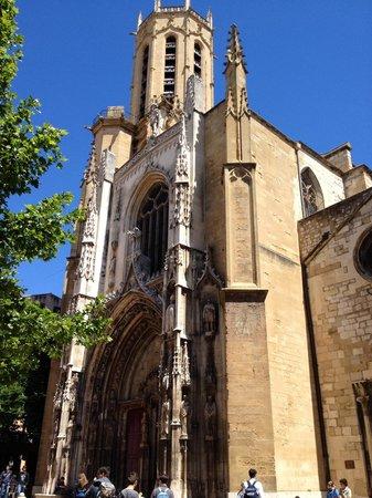 Cathedrale St. Sauveur: Facciata