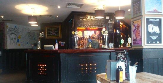 Harley Hotel: Bar and Breakfast Room