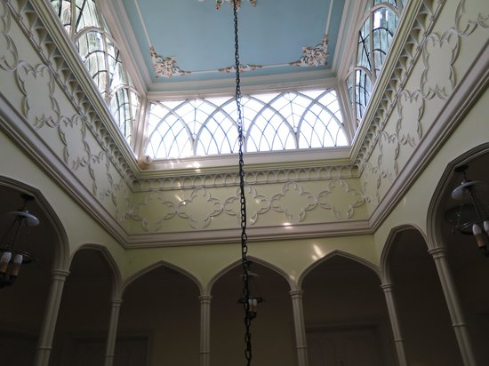 Donnington Grove Hotel and Country Club: Ceiling in old section