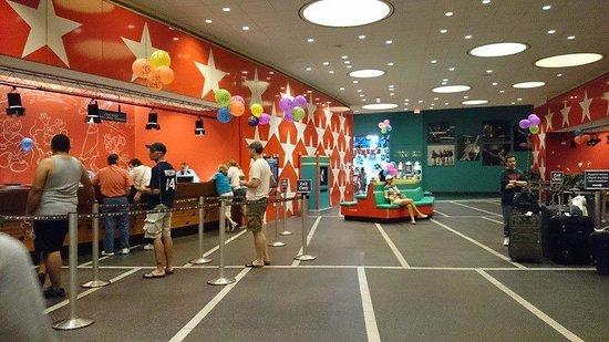 Disney's All-Star Music Resort: Lobby