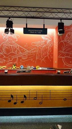 Disney's All-Star Music Resort: Check in