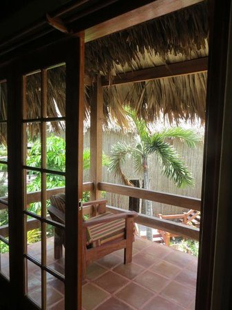 Ramon's Village Resort: Cute thatched roof & balcony