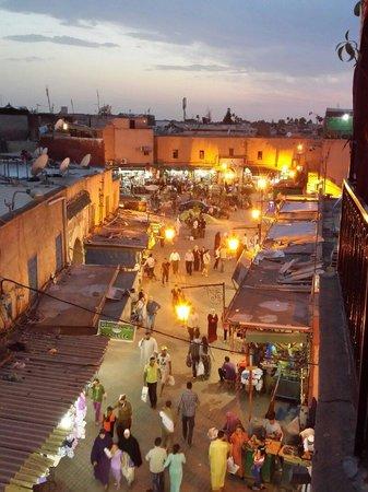 Cafe chez ZaZa: Bab Fteuh by night