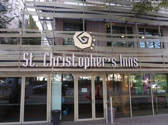 St Christopher's Gare du Nord Paris : front of St. Christopher's Inn hostel